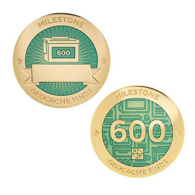 600 Finds Milestone Geocoin and Tag Set - 1