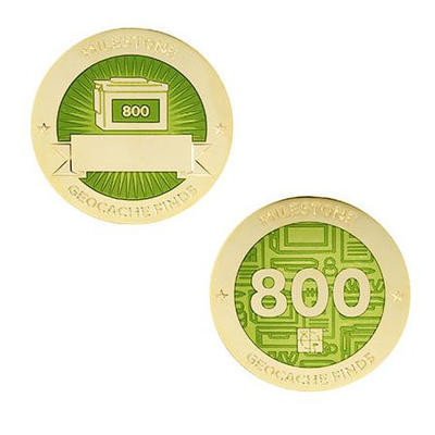800 Finds Milestone Geocoin and Tag Set - 1