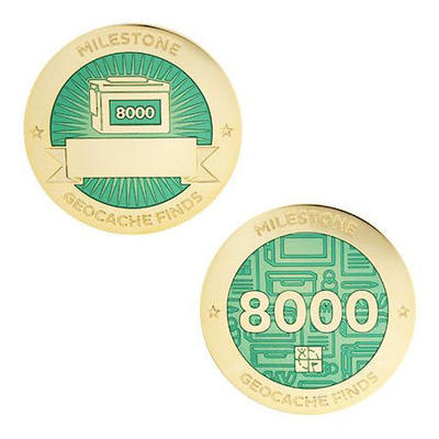 8.000 Finds Milestone Geocoin and Tag Set - 1