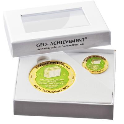 8000 Finds Geocoin + Pin + Box - 2
