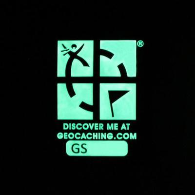Trackable Geocaching Patch - Glow In The Dark - 2