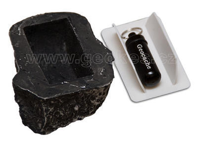 Stone geocache - microcache included - 2