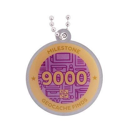 9.000 Finds Milestone Geocoin and Tag Set - 2
